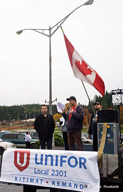 Sean O'Driscoll and other union leaders at the rally. (Robin Rowland/Northwest Coast Energy News)