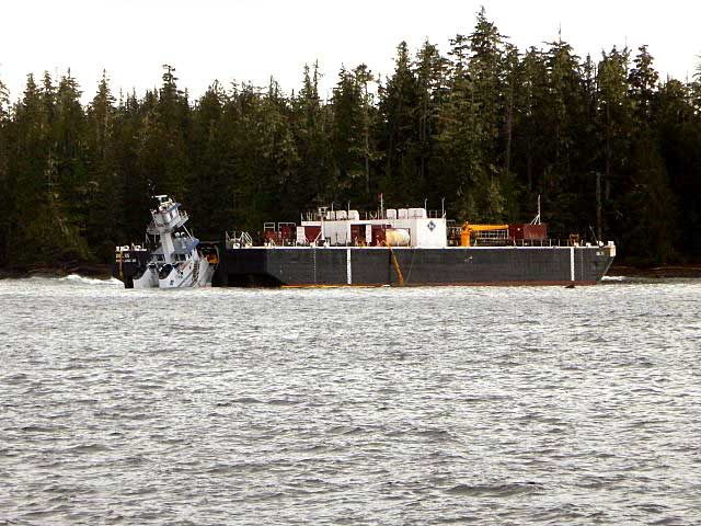 Second mate of tug Nathan E. Stewart asleep on watch when it grounded off Bella Bella: NTSB